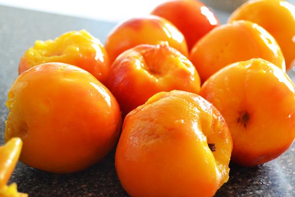 Peeled peaches